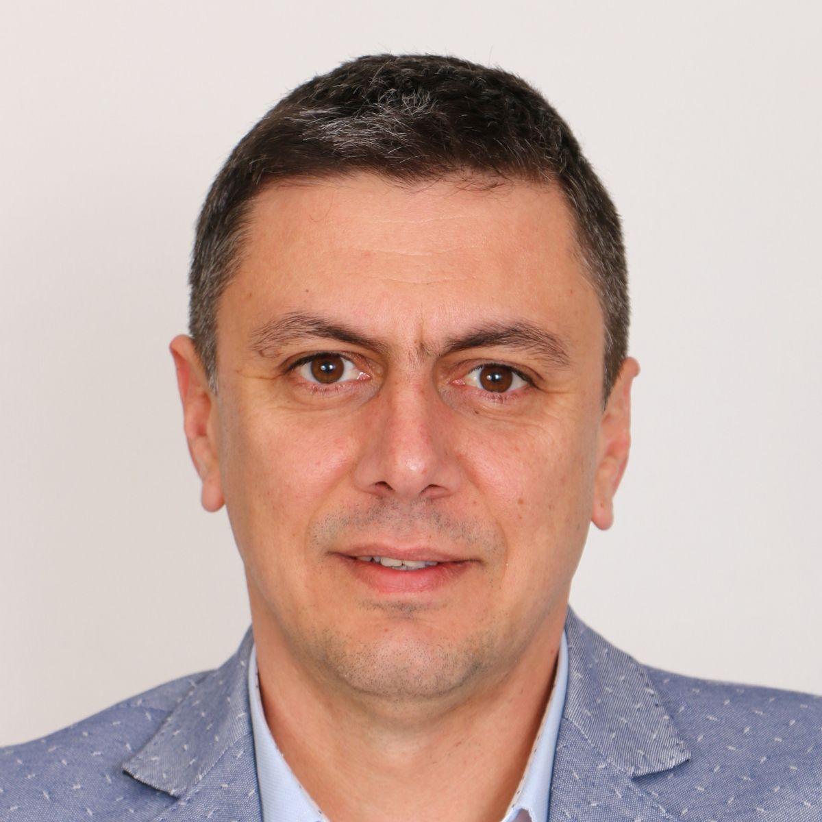 Калин Чернев